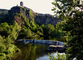 Castellfollit de la Roca Castells de Basalt